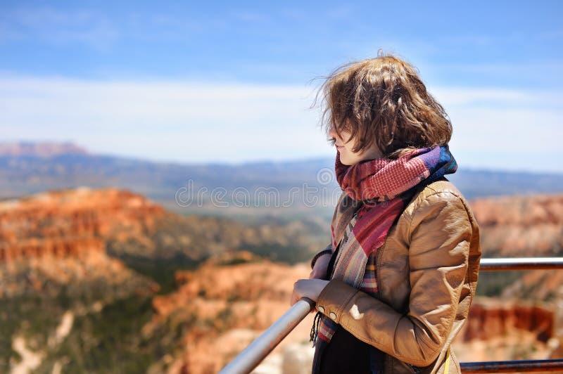 Turysta w Bryka jaru parku narodowym, usa fotografia stock