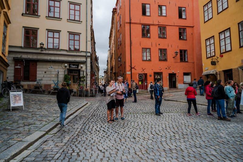 Turysty gromadzenie się w Sztokholm, Szwecja obraz royalty free