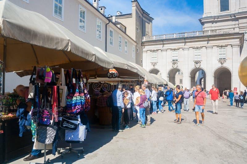 Turysty sklep w Salzburg, Austria zdjęcie royalty free