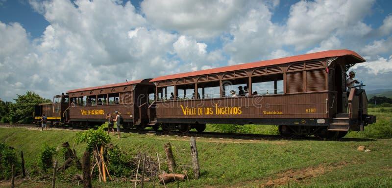 Turysty stary pociąg zdjęcie stock