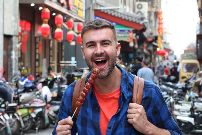 Turystycznego łasowania Bing Tanghulu Candied Głogowy kij zdjęcie stock