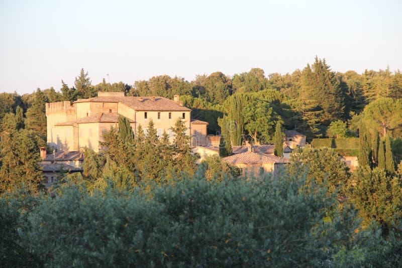 Tuscan slott på kullen royaltyfria foton
