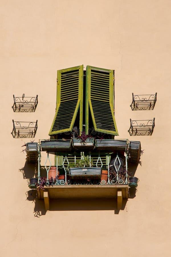 Tuscany fönster royaltyfri foto