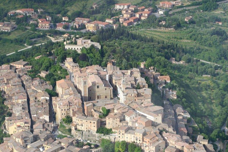 Tuscany sikt från himmel royaltyfria foton