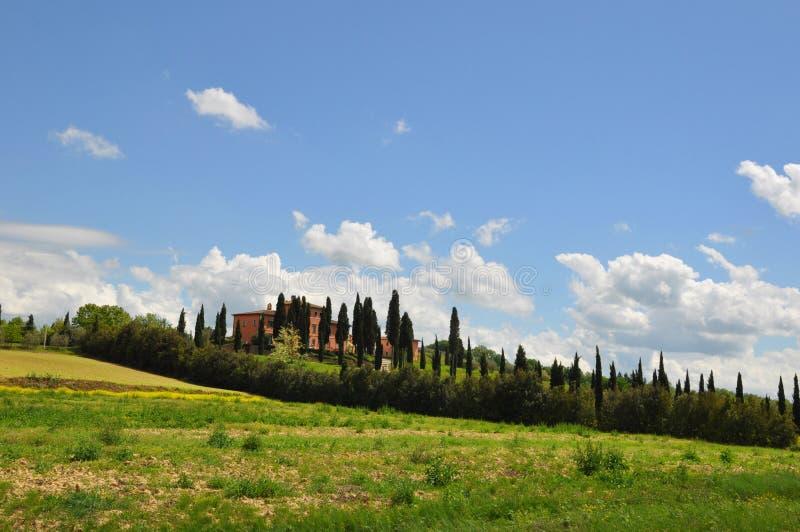 Tuscany sommarvilla royaltyfri fotografi
