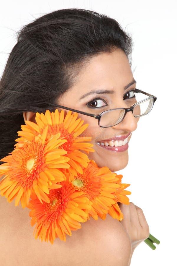 tusenskönan blommar den indiska orangen för flickan royaltyfria foton