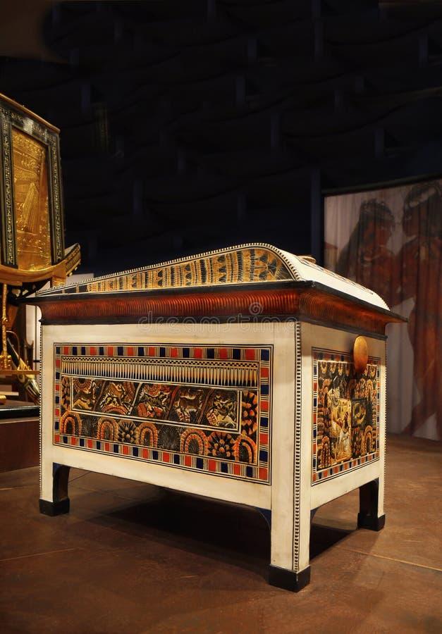 Tutankhamen - hans gravvalv och skatter arkivbilder