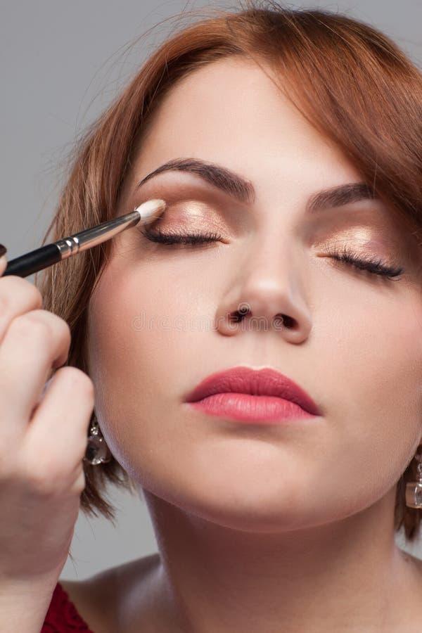 Tutorial del maquillaje del ojo Estilo modelo de la belleza imágenes de archivo libres de regalías