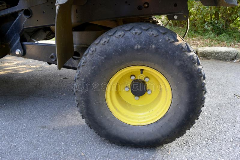 Tutto l'insieme di ruota del veicolo del terreno immagini stock libere da diritti