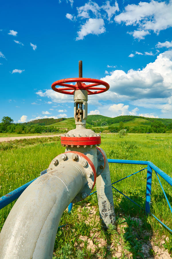 Tuyau de gaz avec une valve de robinet image libre de droits