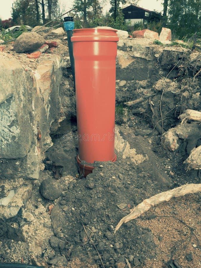 Tuyaux de drainage et axe en plastique d'inspection photo libre de droits