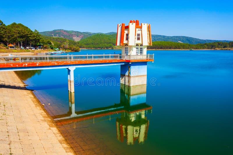 Tuyen Lam Lake i Dalat arkivfoton