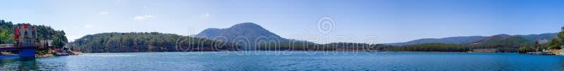 Tuyen Lam Lake - lat de DA imágenes de archivo libres de regalías