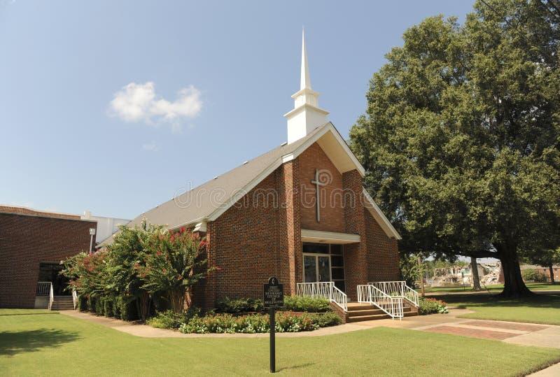 Tvärgator Baptist Church Front Arlington, TN arkivbilder