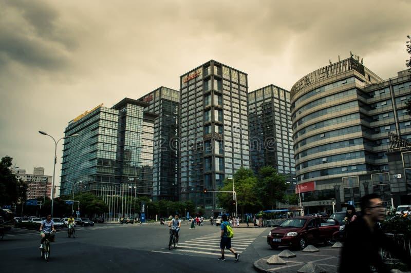Tvärgatorna framme av Sohu nätverksbyggnad fotografering för bildbyråer