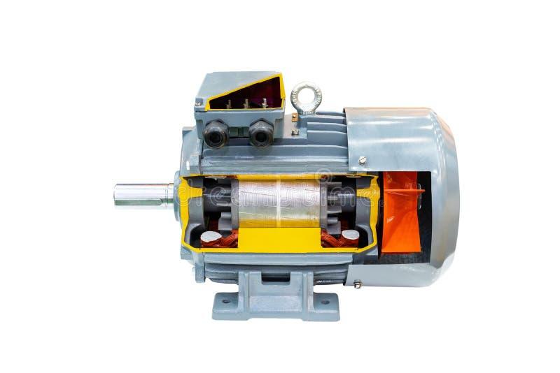 Tvärsnittdetalj inom modernt av den tekniskt avancerade elektriska motorn som isoleras på vit bakgrund med urklippbanan royaltyfria foton