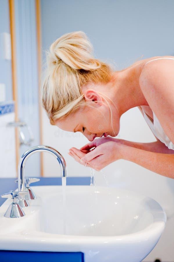 Tvättande framsida fotografering för bildbyråer
