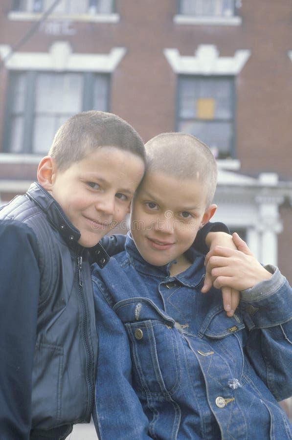 Två centrumpojkar i södra Bronx, NY arkivbild