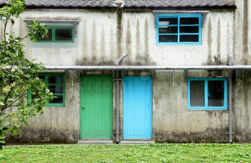 Två dörrar royaltyfria bilder