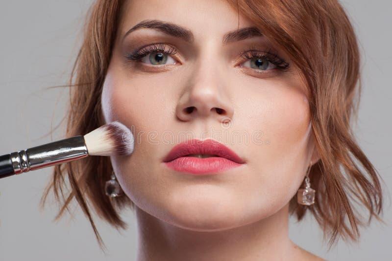 Två dekorativa baner Orubblig kvinnlig makeup royaltyfria foton
