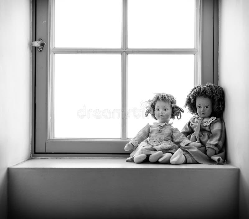 Två dockor royaltyfri bild