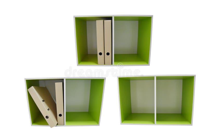 Två gröna kabinetter i en främre perspektiv- och dokumentmapp som isoleras på vit bakgrund med den snabba banan arkivbilder