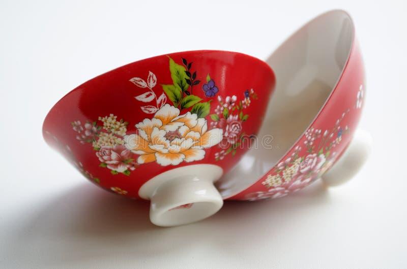 Två kinesporslinbunkar för teceremonin royaltyfri fotografi