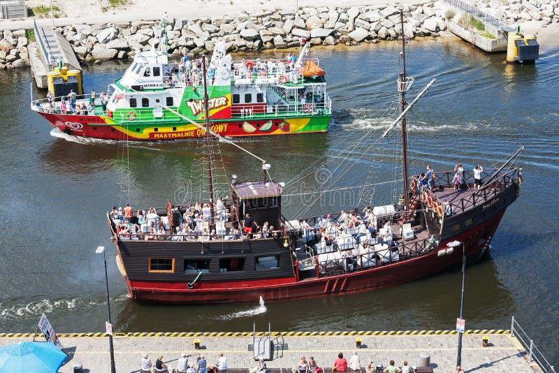 Två kryssningskepp i Kolobrzeg royaltyfri foto