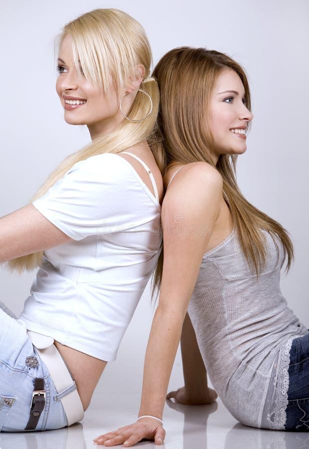 två kvinnor royaltyfri foto