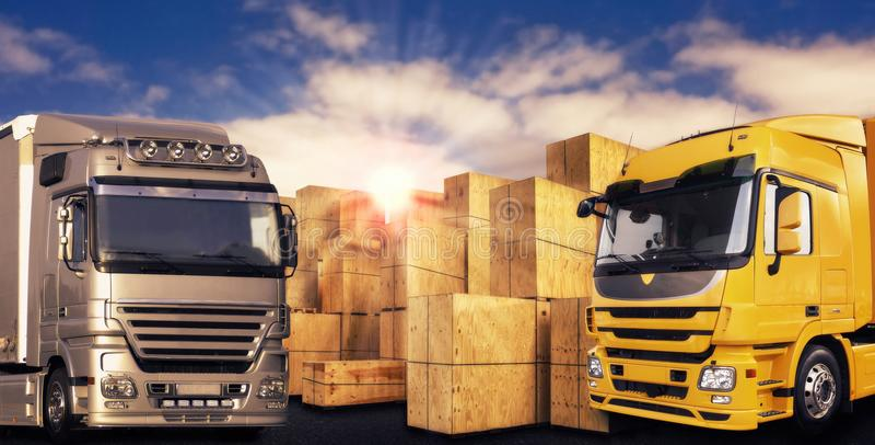 Två moderna lastbilar och många bärareaskar royaltyfria foton