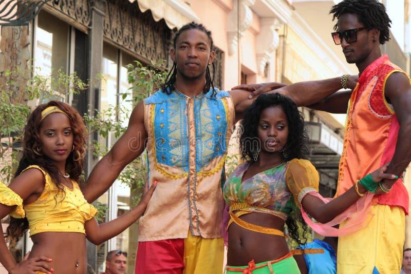 Två par av dansare i havannacigarr royaltyfria bilder
