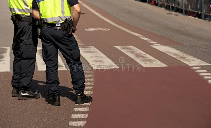 Två polisar royaltyfri fotografi