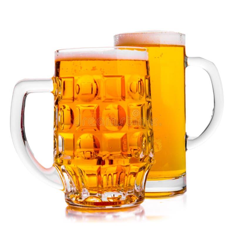 Två rånar av nytt öl med lockskum arkivbilder