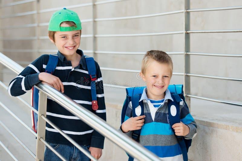 Två studenter royaltyfri foto