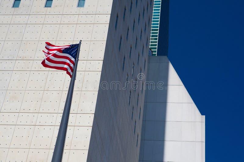 Två typiska skyskrapor i New York arkivbilder
