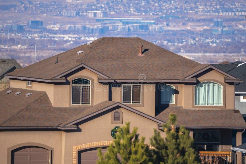 Tvåvåvåningsmansion Utah Valley, USA-dagsljus royaltyfria foton