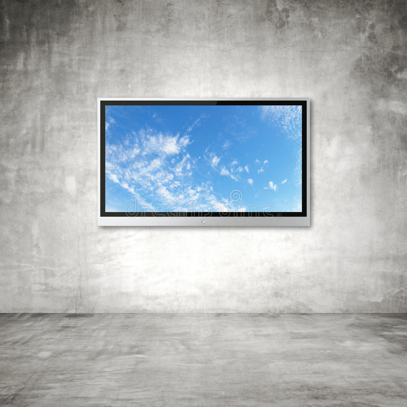 TV με τον ουρανό στοκ φωτογραφίες με δικαίωμα ελεύθερης χρήσης