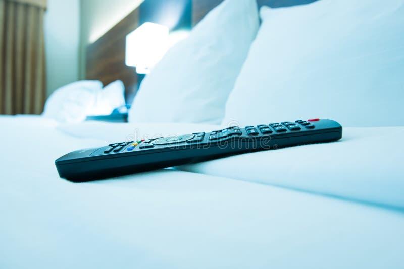 TV-Afstandsbediening in Hotel stock foto