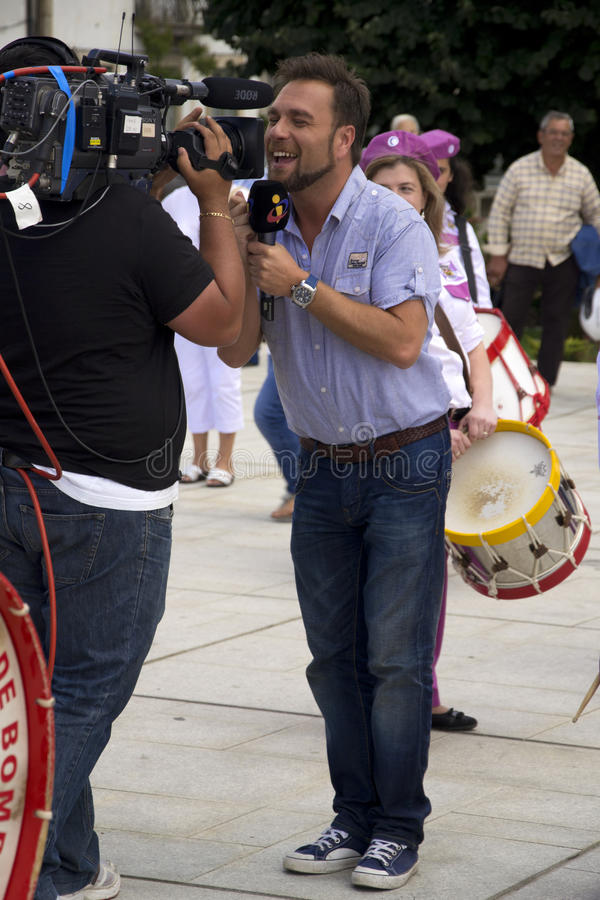 Download TV Correspondent editorial photography. Image of media - 26019247