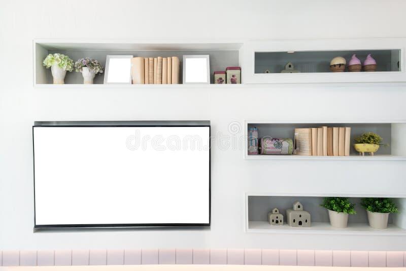 TV en plank in woonkamer Eigentijdse stijl Houten meubilair i royalty-vrije stock afbeelding