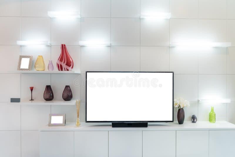 TV en plank in woonkamer Eigentijdse stijl Houten meubilair i stock fotografie