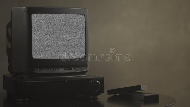 TV med oväsen TVprovkort Retro maskinvara 1980 Statiskt fel för tekniskt felkonstshow, bruten överföring Oväsentvskärm arkivbilder
