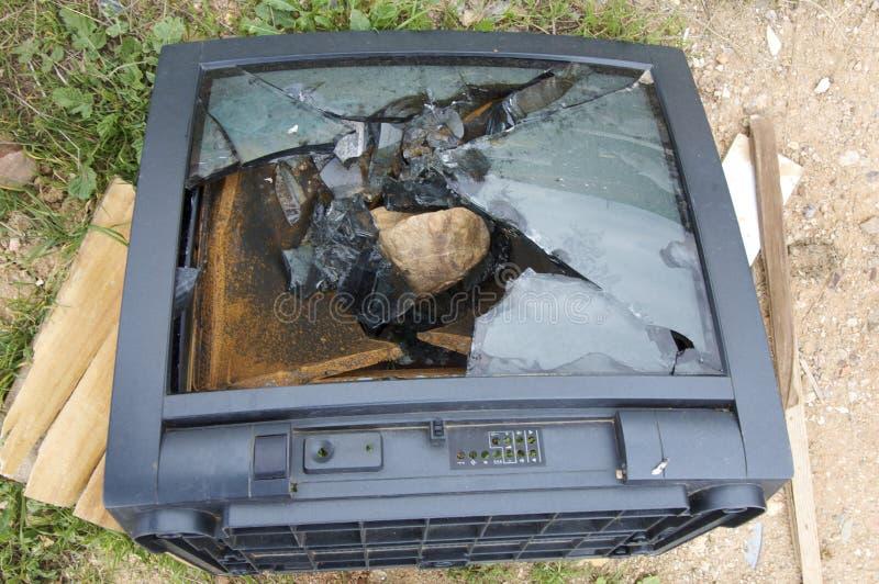 Tv rotta immagine stock immagine di vecchio casa for Programma tv ristrutturazione casa