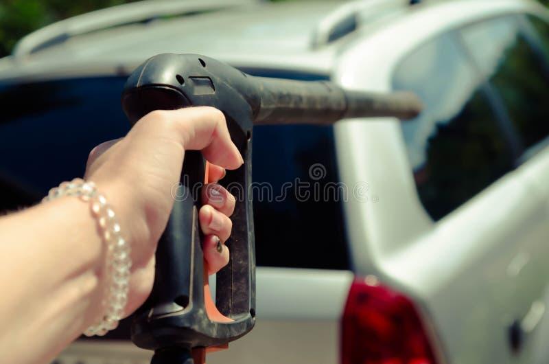 Tvagning för bilhjul close upp royaltyfria bilder