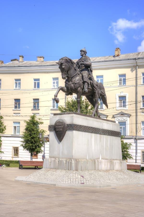 Tver Horizontal municipal Monument au prince à Mikhail photo stock