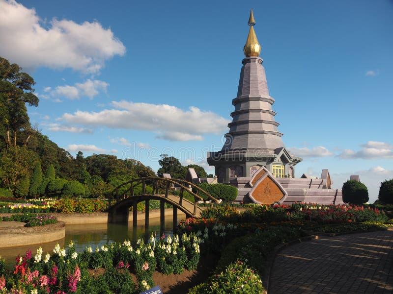 Tvilling- pagoder för kunglig person royaltyfria bilder