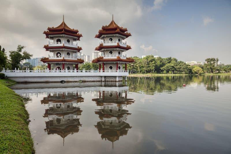 Tvilling- pagoder, kinesträdgård, Singapore arkivbild