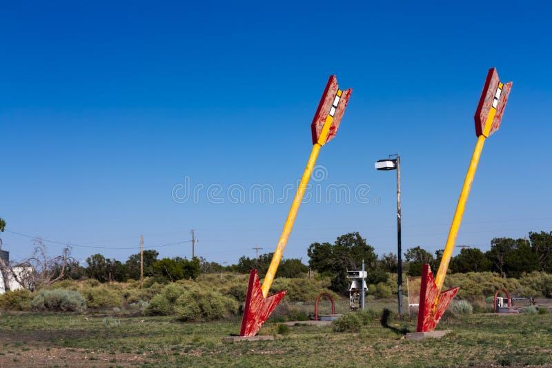 Tvilling- pilar av Route 66 royaltyfri fotografi