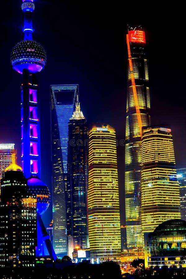 TVtornPudong skyskrapor Jin Mao Liujiiashui Shanghai China arkivfoton