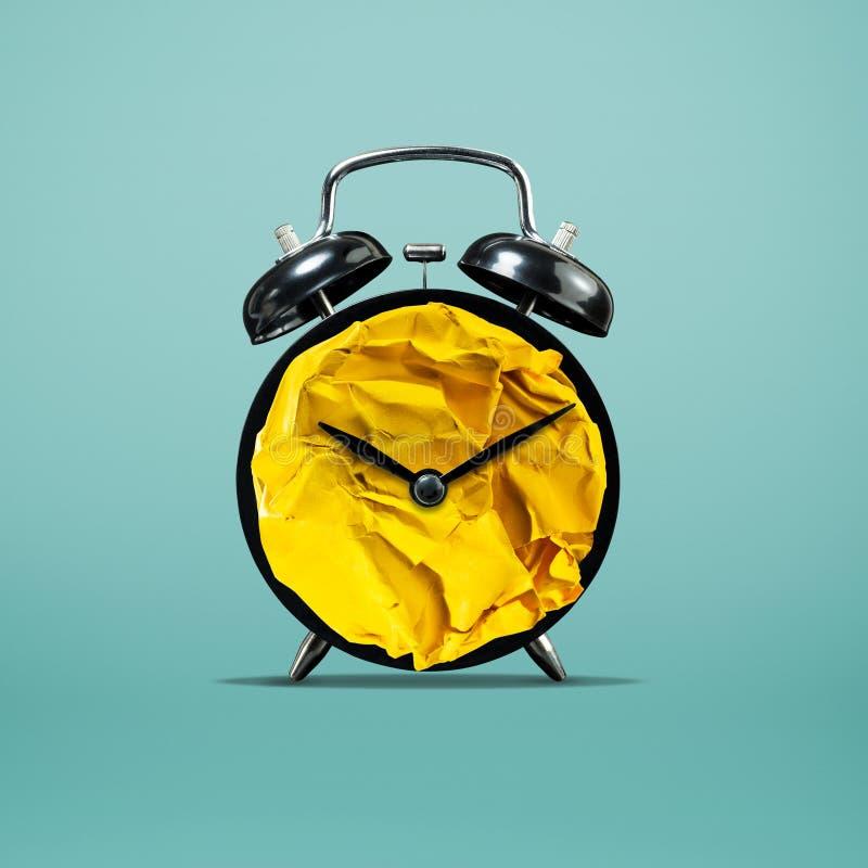 twórczość pojęcia papier miąca balowa mieszanka z zegarem Biznes zdjęcie royalty free